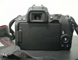 Canon 200D - like new