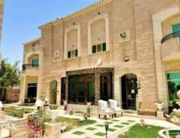 Modern & Elegant Compound Villa With Garde...